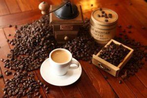 cafe-1618628_640-min